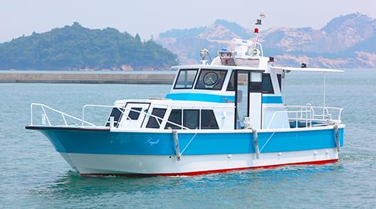 海上を航行する安定感抜群の船シーガル